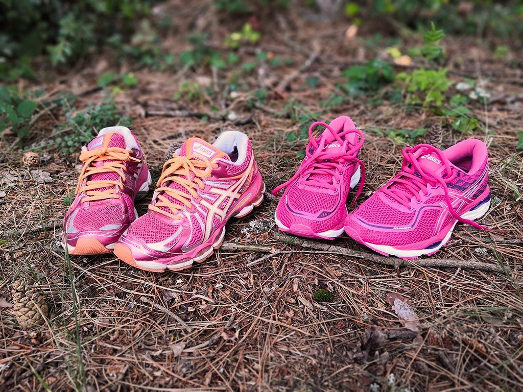 chaussures de running Asics roses